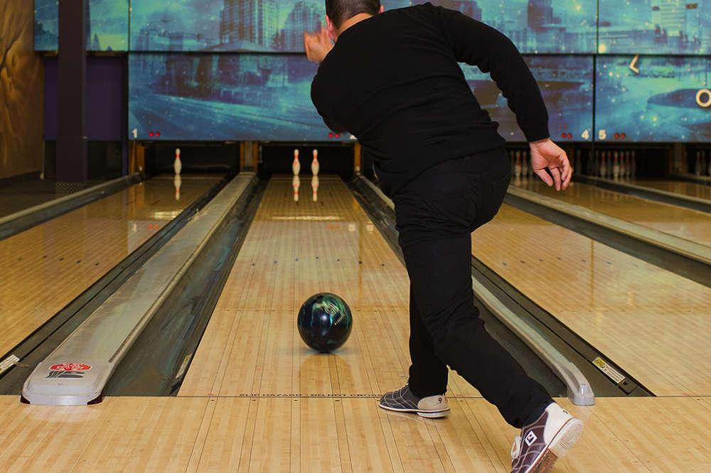 man in bowling league london ontario